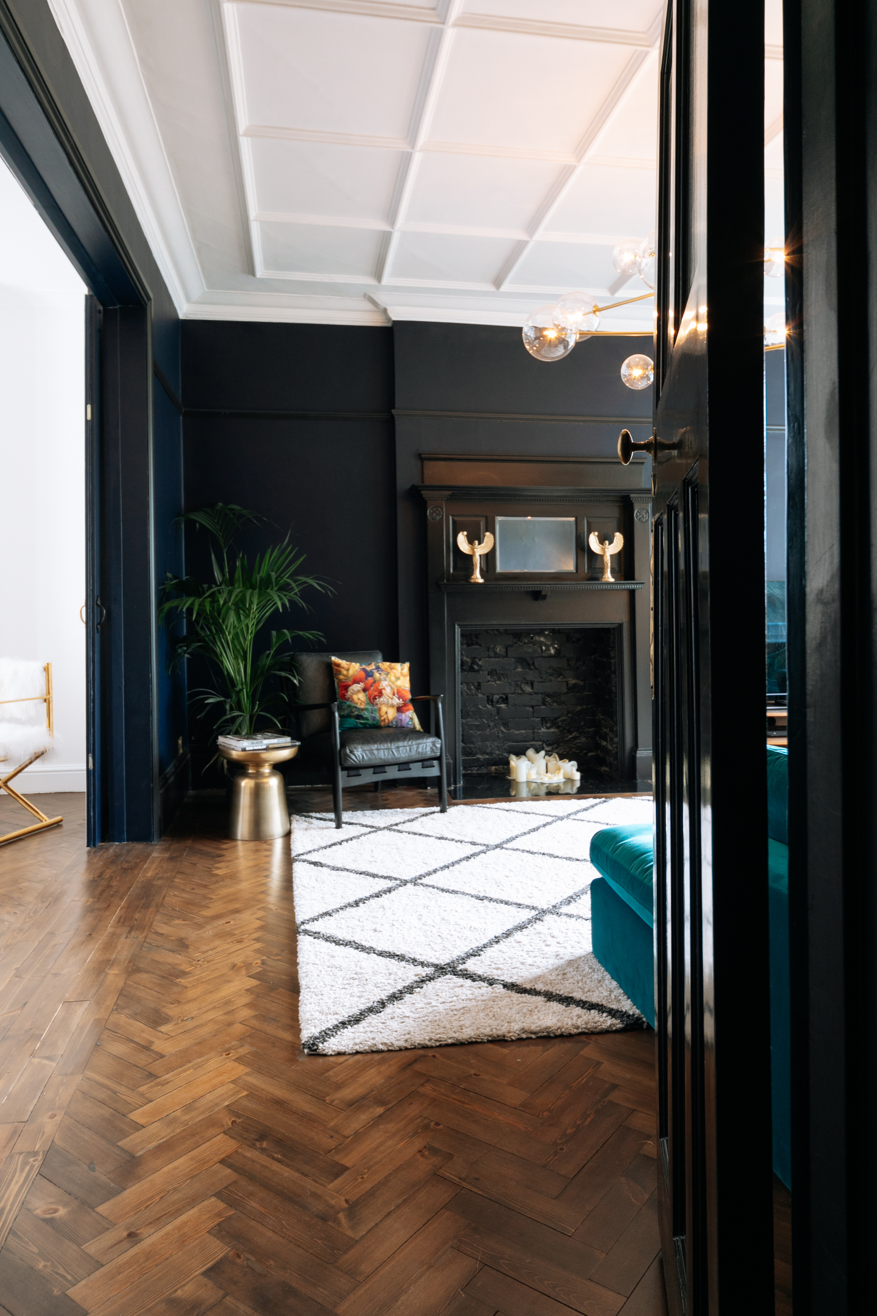 Large Living Room 6-1